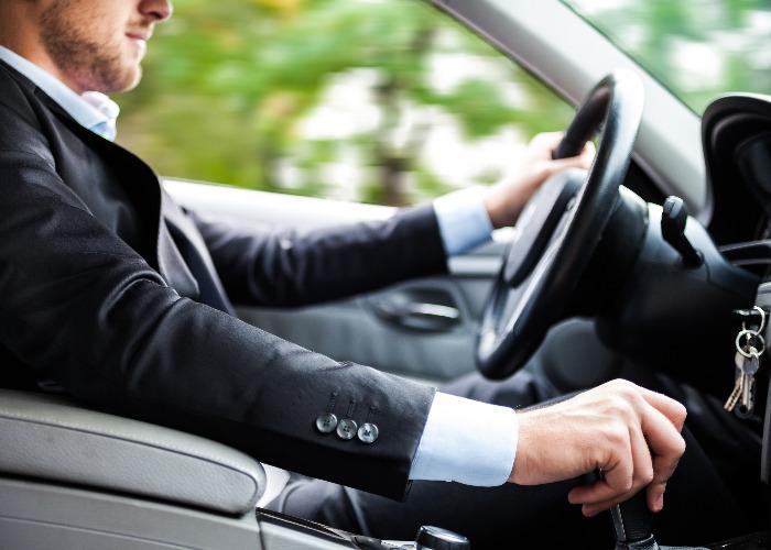 Autónomos: cómo deducir los gastos de un coche.